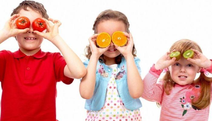 Выполняем домашние дела вместе, чтобы пообщаться с ребенком