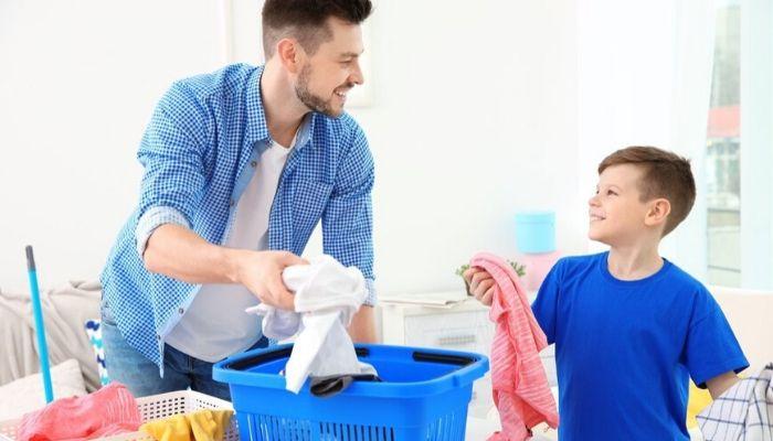 Как сделать так, чтобы ребенок с удовольствием помогал вам по дому