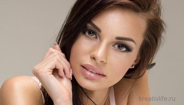 красивая сексуальная женщина
