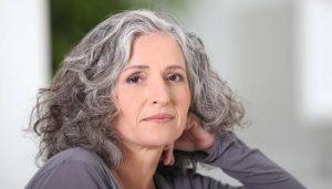 Зрелая женщина в возрасте