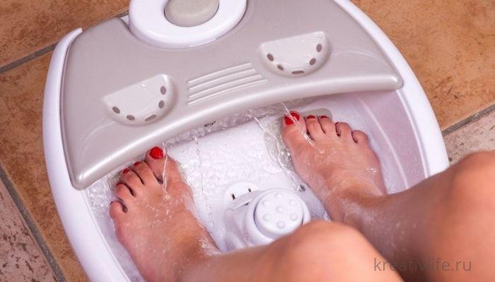 Ванночка для ног: правила проведения и противопоказания