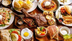 Много еды и продуктов