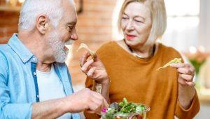 Как правильно питаться, чтобы прожить долго