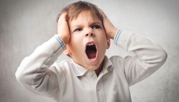 Ребенок психует и нервничает