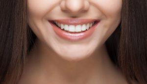 Красивая улыбка со здоровыми зубами