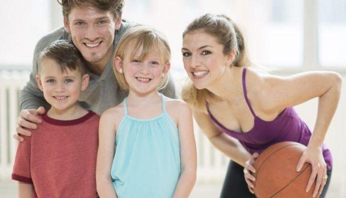 Почему родителям стоит заниматься спортом с детьми